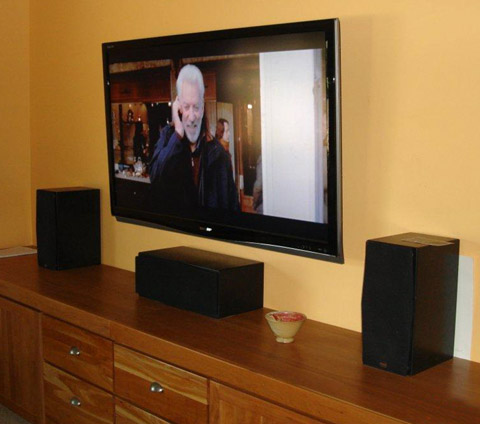 how to connect lcd tv to home theater speakers
